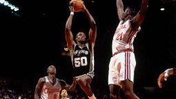 David Robinson yShaquille ONeal