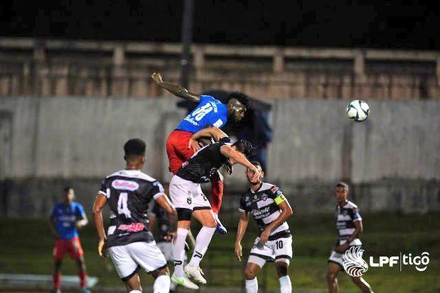 Emocionante empate en el clásico: Tauro 2 - Plaza Amador 2